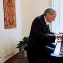 William Eggleston accompagne ses images au piano