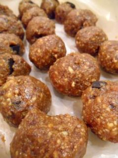 Cookies and Cream Protein Poppers