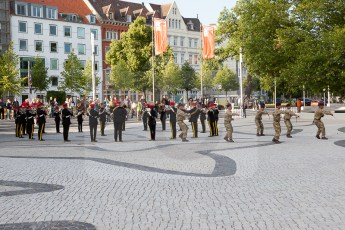 Queens Birthday Hannover C-8276