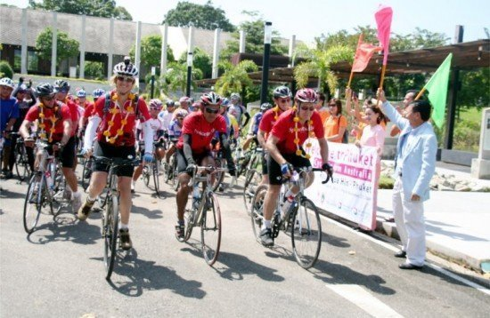Doctors and Friends Big Ride for Thai Medical Aid