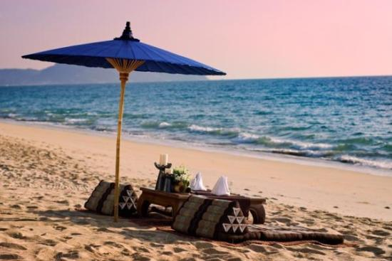 Surprise Your Loved One with Anantara Phuket Villas Dine by Design