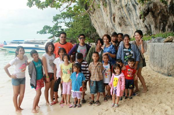 """Millennium Phuket  enjoy a sunny day with children from Sussex House Orphanage"""""""
