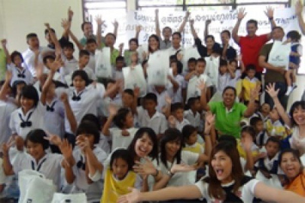 Phuket's Dusit Thani Laguna spreads the love to children