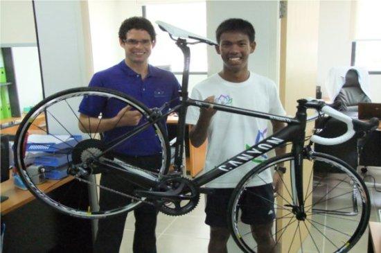 Phuket's Thanyapura provides bike for up & coming triathlete
