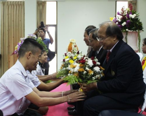 Talad Nue School Phuket awards diplomas
