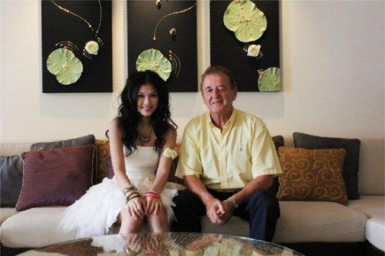 Hong Kong Pop Singer enjoys holiday at Dusit Thani Phuket