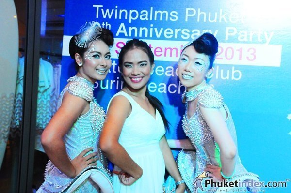 Phuket's Twinpalms Anniversary Party brings thousands to Surin Beach