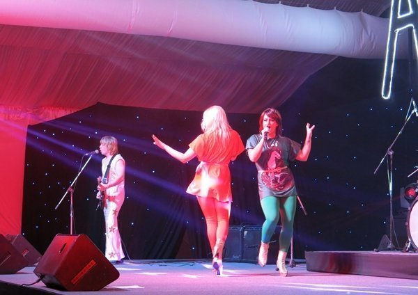 """Laguna Phuket Top of Bill at """"Tribute to ABBA Forever"""" Concert"""