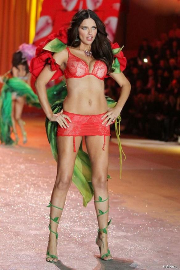 adriana lima defile victoria's secret 2012 sexy