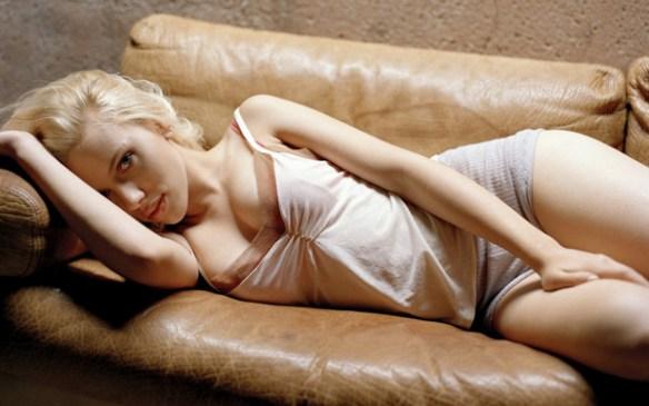 Scarlett_Johansson-sexy-seins-bouche