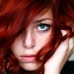 rousse-fonce-yeux-verts