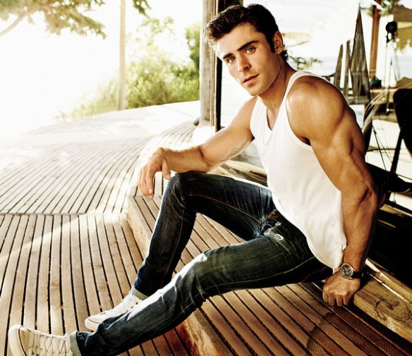 zac_efron_shooting-sexy-bras-triceps