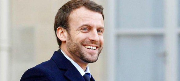 macron-barbe-decontract