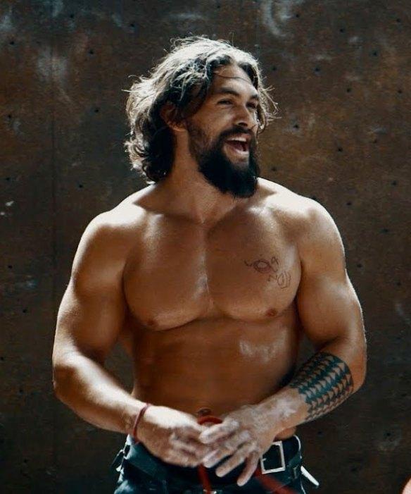 jason-momoa-muscles-sexy-aquaman.jpg