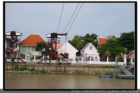 泰國大城府《安娜教堂Wat Niwet Thammaprawat》渡河流籠3.jpg