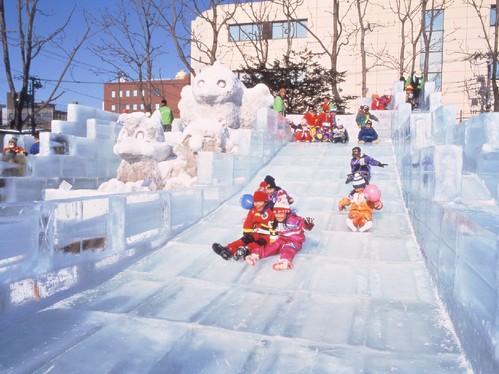 北海道下雪啦!搭乘火車體驗冬日旅遊樂趣