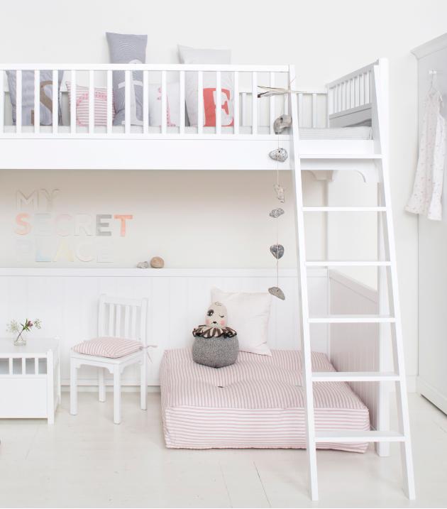 Cameretta per due in stile nordico for Camerette bambini design nordico