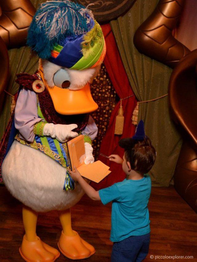 Meeting Donald Duck at Magic Kingdom, Orlando