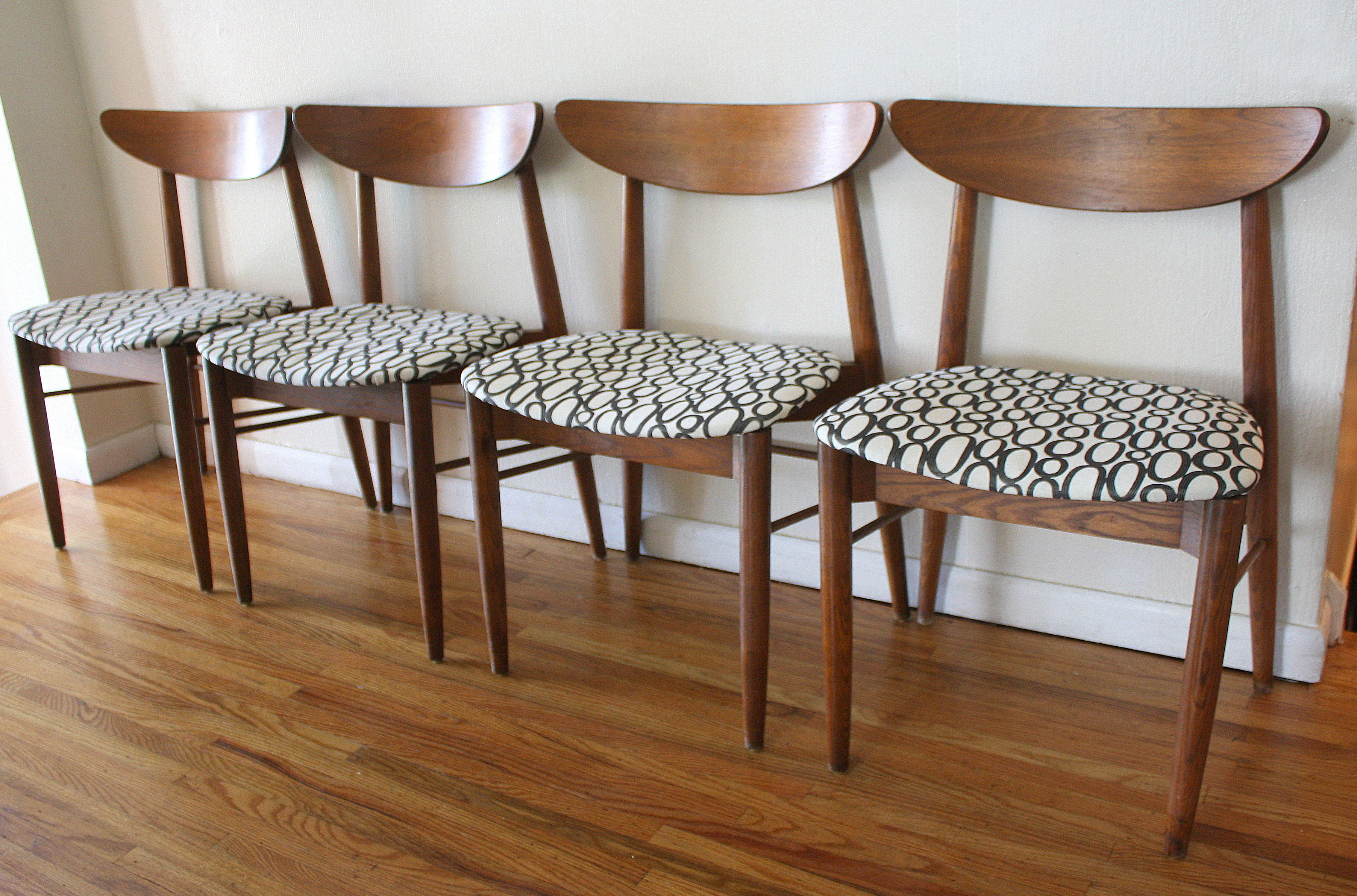mid century modern sets of dining chairs mid century kitchen chairs mcm curved back chairs with circle seats 1