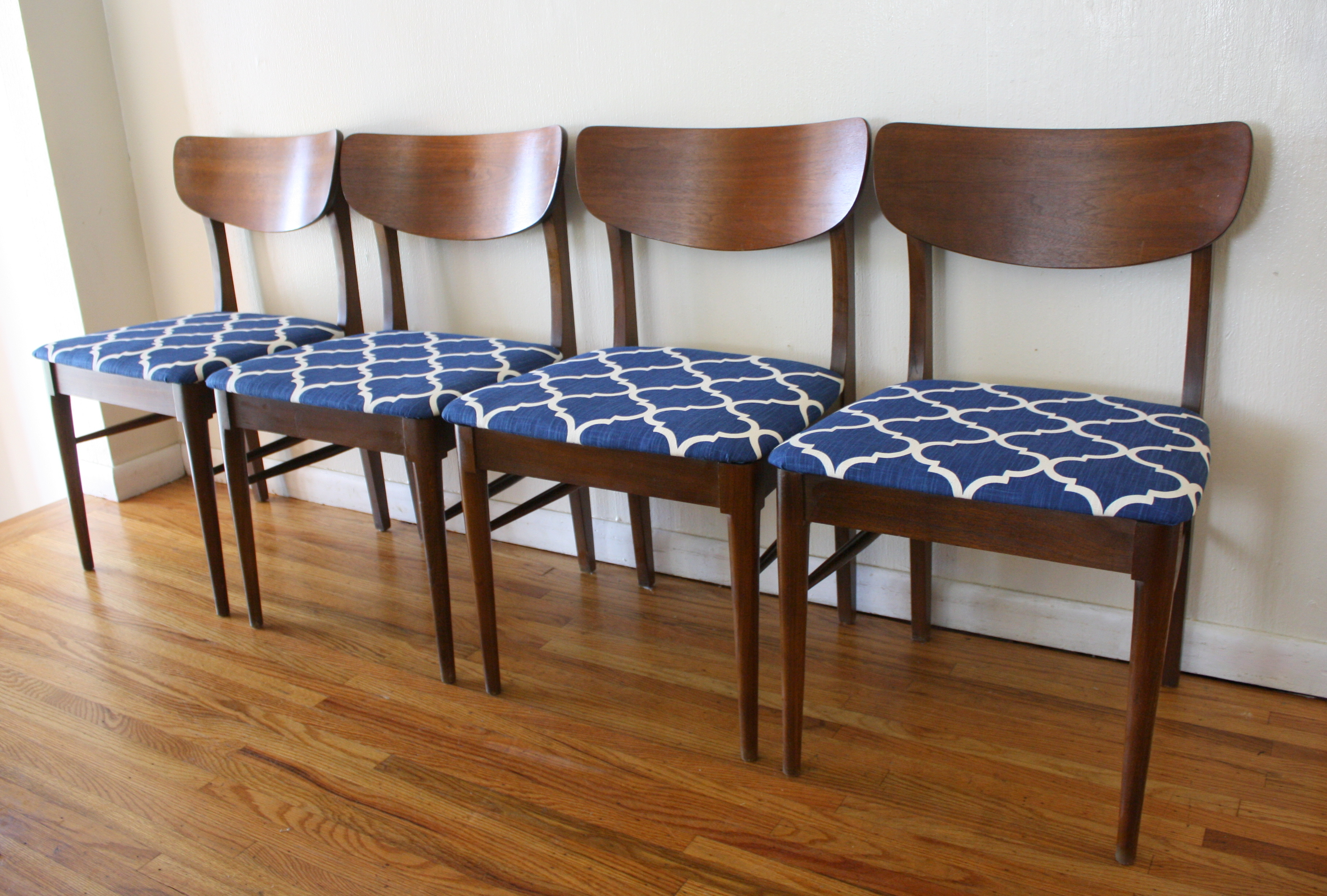 mid century modern dining chairs mid century kitchen chairs mcm low frame dining chairs blue seats 1