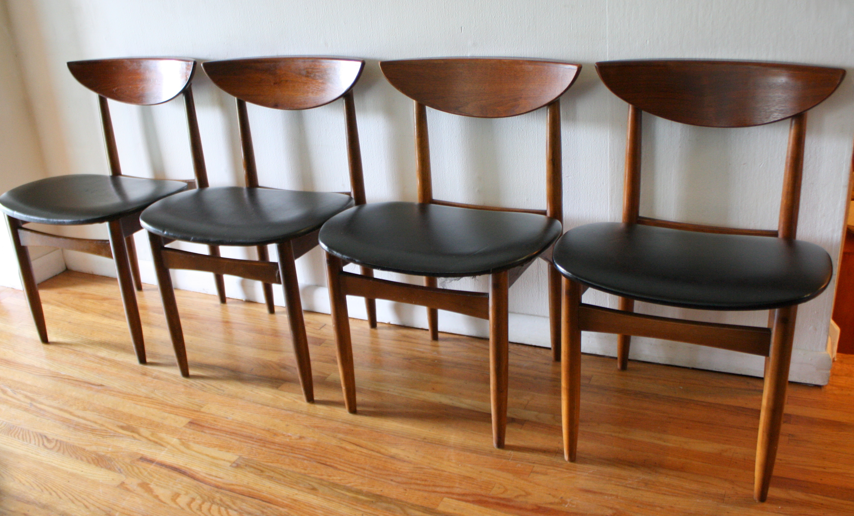 mid century modern dining chair set from the broyhill brasilia collection mid century kitchen chairs