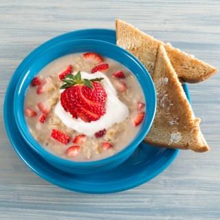 Strawberries N' Cream Oatmeal | Pick Fresh Foods