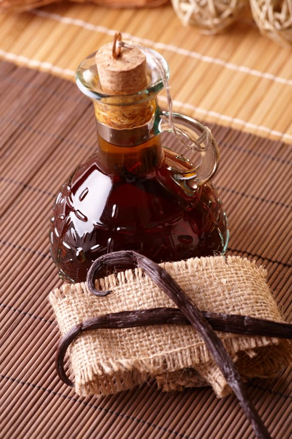How to Make Vanilla Extract at Home — The Picky Eater: A Healthy ...