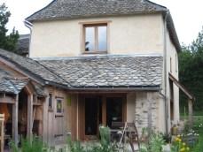 Rénovation grange Aveyron Ségala matériaux écologiques, enduits chaux-chanvre, couverture, charpente
