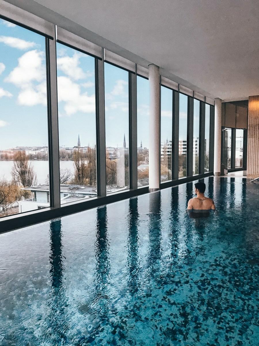 Pool The Fontenay