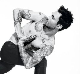 Adam Levine yoga #yoga #fitness #health #motivation #inspiration {PilotingPaperAirplanes.com}