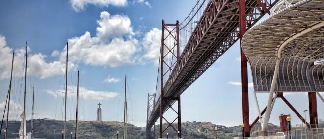 Ponte de 4 Avril