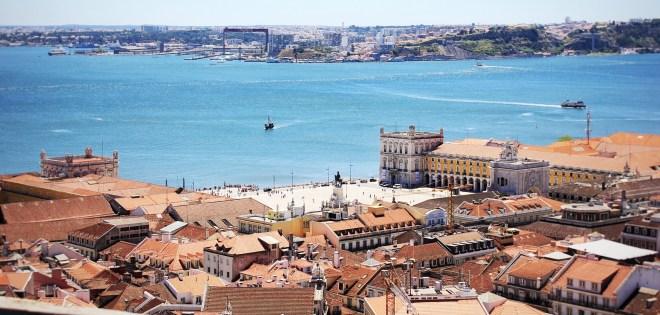 Aussicht vom Castelo de São Jorge, mit Blick auf den Tero und den Praça do Comércio