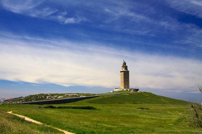 800px-Torre_de_Hércules,_A_Coruña
