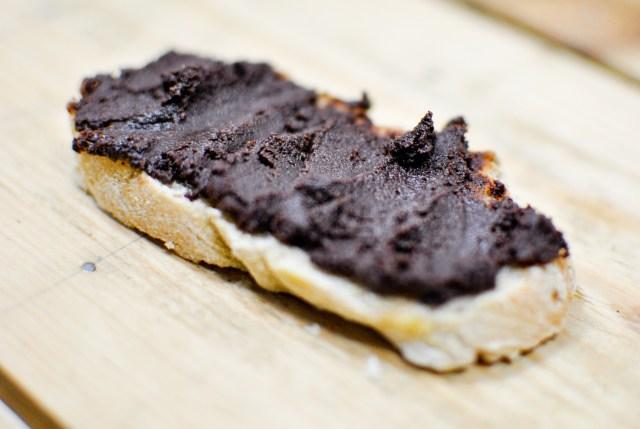 Homemade chocolate paste {vegan, raw, gluten-free} - A pinch of me