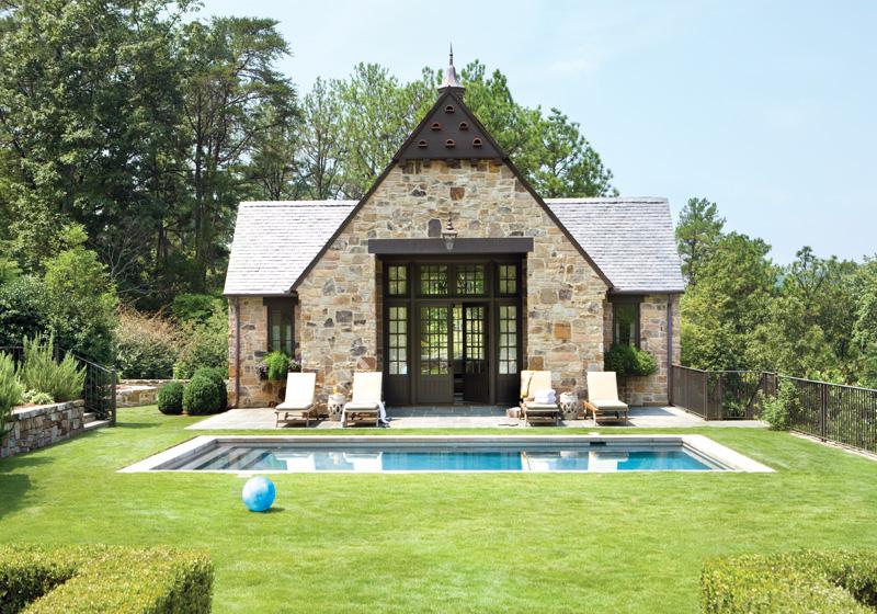 Garden Gallery: A Southern Garden Poolhouse