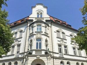 Fassade eines klassizistischen Wohnhauses