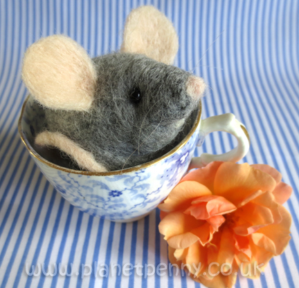 Needlefelt Mouse