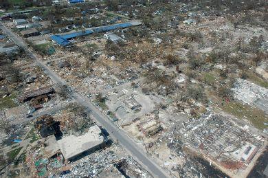 800px-Hurricane_katrina_damage_gulfport_mississippi
