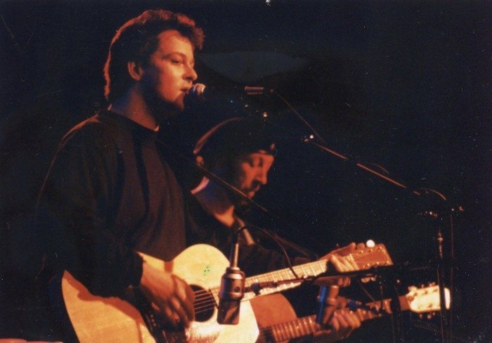 Chris Harford (l) performs with legend Richard Thompson at the Bearsville Theater, Woodstock NY 1991. Photo by Pat Frey.