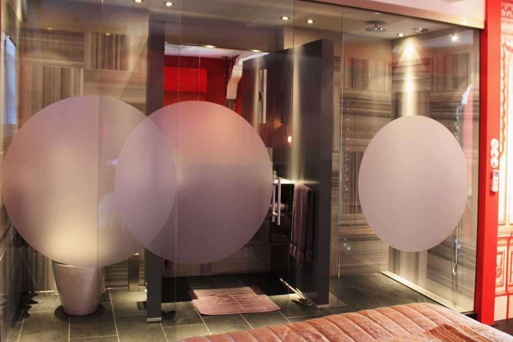 kamer01.redbathroom.3264X2448