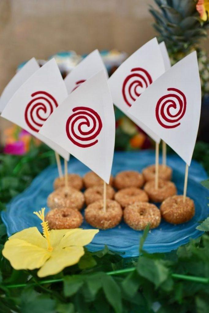 DIY Moana boat snacks, perfect for a Moana party!