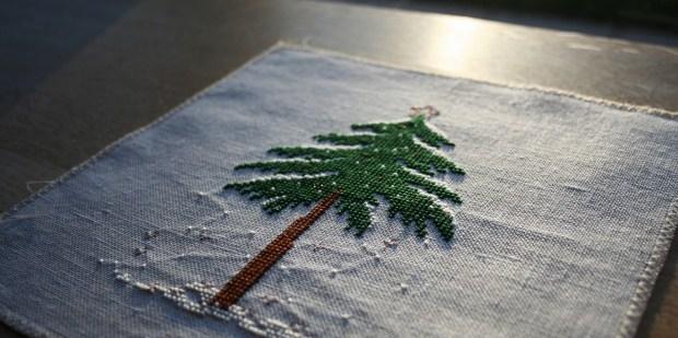 [:ru]Liebevolle Kreuztichentwurfe вышитая зимняя елочка в снегу