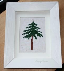 [:ru]Liebevolle Kreuztichentwurfe вышитая зимняя елочка