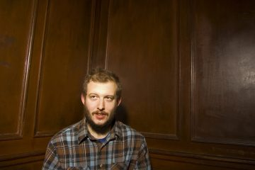 "Bon Iver. Nuevo Tema. ""33""God"". '22, A million'. Cúsica Plus"