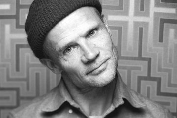 Flea. Red Hot Chili Peppers. Frank Ocean. Fanático. Cúsica Plus