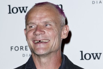 flea-rhcp-cusica-plus