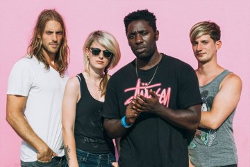 Bloc Party. Stung Queen. Nuevo tema. Cúsica Plus