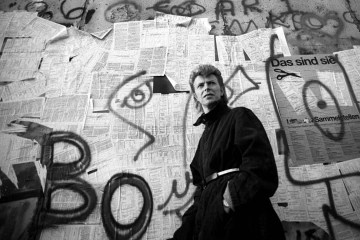 David Bowie. Placa conmemorativa. Berlín, Alemania. Low. Heroes. Cúsica Plus