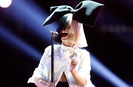 """Sia publica los temas """"Confetti"""", """"Midnight Decisions"""" y """"Jesus Wept"""". Cúsica Plus"""