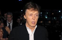 Paul McCartney se siente un poco disgustado por el odio que Phil Collins siente hacia él. Cúsica Plus